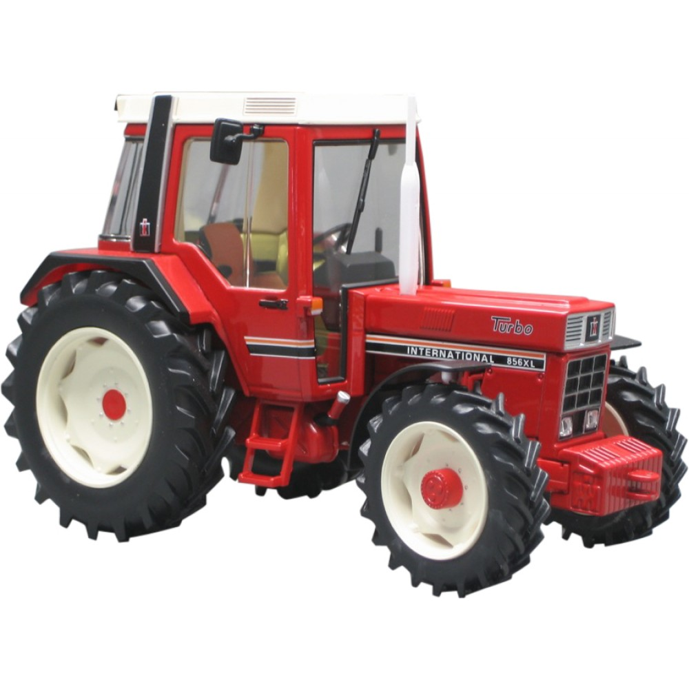 IH 856 XL Turbo, ailes larges