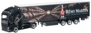 VOLVO Globetrotter 4x2 avec remorque bachée -REMY MARTIN-